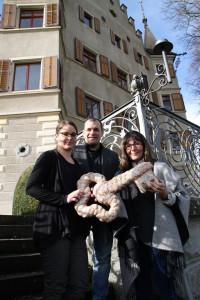 Vizestadtpräsidentin Dorena Raggenbass übergibt das Schloss Restaurant Seeburg in die Hände von Jacqueline und Matias Bolliger. (Bild: IDK)