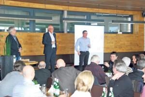 Auf Einladung von Gewerbe-Präsident Andreas Haueter referierten Andreas Netzle und Ernst Zülle (v.r.) zum Gesamtprojekt Stadthaus. (Bild: tm)