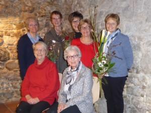 Die Vorstands-Frauen der DTG zusammen mit zwei Gründerinnen des Vereins. (Bild: zvg)