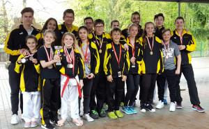 Die erfolreichen Karatekas vom Karatecenter Reto Kern. (Bild: zvg)