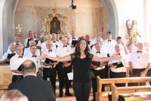 Der Männerchor mit Katharina Kühne. (Bild: zvg)