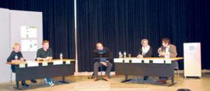 Das Grundeinkommen würde bestimmte Probleme nicht aus der Welt schaffen – muss es aber auch nicht. Es diskutierten (v.l.) Nicole Althaus, Fabio Schmid, Moderator Thomas Götz, Monika Laib und Ueli Mäder. (Bilder: sb)