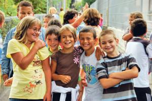 Schulkinder im Wehrli. (Bild: zvg)