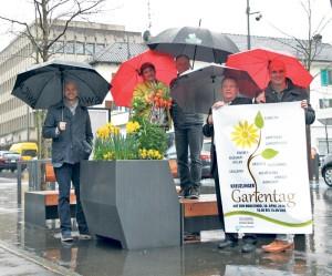 OK-Chefin Christine Graeser und ihre Mitstreiter hoffen auf besseres Wetter.(Bild: ek)
