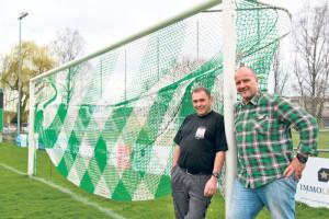 Goal für Kreuzlingen: Werner Pick (l.) und Marcel Wick organisieren in der Bodensee-Arena ein Public Viewing der Fussball Europameisterschaft.(Bild: ek)