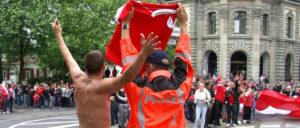 Die Kantonspolizei Thurgau wird Siegesfeiern während der Fussball-EM aufmerksam begleiten und für Ordnung und Sicherheit sorgen. (Bild: Kapo Thurgau)