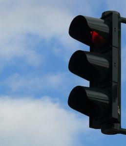Eine Signalisation wird angebracht. (Bild: Lupo  / pixelio.de)