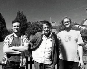 """Alvaro Pena und seine """"Squeaks"""": Adrian Konrad (l.) und Juan Veas (r.). (Bild: zvg)"""