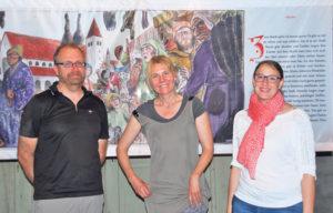 Der Illustrator Ralf Staiger (links), die Autorin Chris Inken Soppa (Mitte) und Museumsleiterin Ursula Steinhauser (rechts).