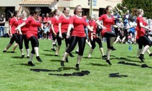 Die Wigoltingerinnen strahlten am Turnfest Seerugge mit der Sonne um die Wette. (Bilder: zvg)