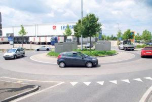 Rund 20'000 Autos fahren pro Tag um den Döbelikreisel. Eine teilweise Sperrung führe zum totalen Verkehrskollaps, sagt die Projektleitung.