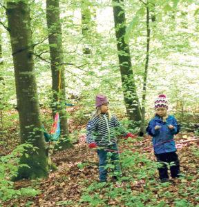 Die Fichtelkinder entdecken den Wald bei jedem Wetter. (Bild: zvg)