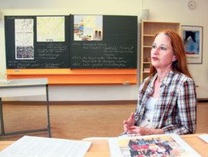 Brigitte Massó in ihrem Klassenzimmer im Schulzentrum Egelsee. (Bild: ek)