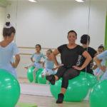 Carmelina Kirstein bietet in ihrer Ballettschule die «Progressing Ballet Technique» zur Förderung der Körperbalance an. (Bild: Jasmin Lubinsky)