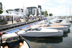 Am Hafengelände Bottighofen können am Wochenende Boote und Yachten näher angeschaut werden. (Bild: zvg)
