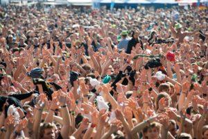 Tausende Fans freuen sich auf die 30. Ausgabe des Kultfestivals. (Bild: Chris Daneffel)
