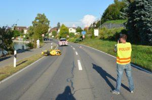 Der Motorradfahrer verstarb noch auf der Unfallstelle. (Bild: Kapo TG)