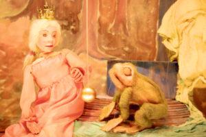 Die Marionetten erzählen Geschichten. (Bild: zvg)
