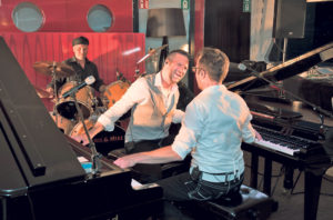 Chris und Mikea am Piano.(Bild: zvg)