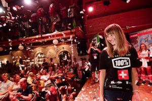 Die 14-Jährige wurde für ihren Sieg gebührend gefeiert. (Bild: zvg)