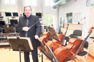 «Es harmoniert mit dem Orchester», sagt der neue Chefdirigent Ari Rasilainen. (Bild: ek)
