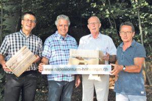 Peter Dransfeld (v.l.), Markus Thalmann, Karl Möckli und Urs Keller setzen sich für den Wiederaufbau des Napoleonturms ein.(Bild: ek)