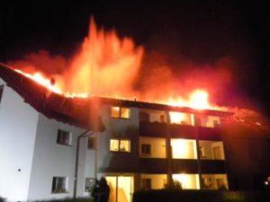 Die Bewohner konnten sich unverletzt aus dem Haus retten. (Bild: Kapo TG)