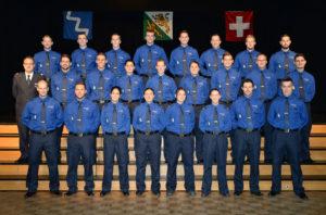 24 Polizistinnen und Polizisten haben ihre Ausbildung erfolgreich abgeschlossen und wurden von Kommandant Jürg Zingg ins Korps der Kantonspolizei Thurgau aufgenommen. (Bild: Kantonspolizei Thurgau)