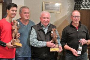 Die Einzelsieger mit dem Präsidenten von Bettingen Christopher Zeller, Joggi Bertschmann, Martin Loher, Jürg Ulrich. (Bild: zvg)