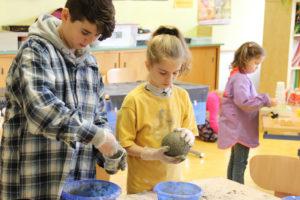 Bastlen machte den Schülern Spass. (Bild: zvg)