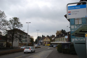 Pro Velo erklärt, warum die Romanshornerstrasse ohne Fahrradstreifen für Velofahrer sicherer wäre. (Bild: sb)