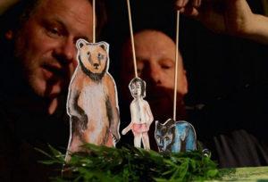 Puppenspieler Stefan Roos Humbel und Sven Mathiasen. (Bild: zvg)