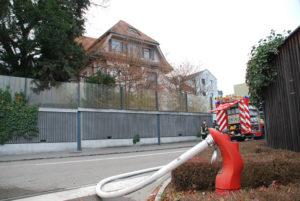 Feuerwehreinsatz an der Hafenstrasse 34. (Bild: Stefan Böker)